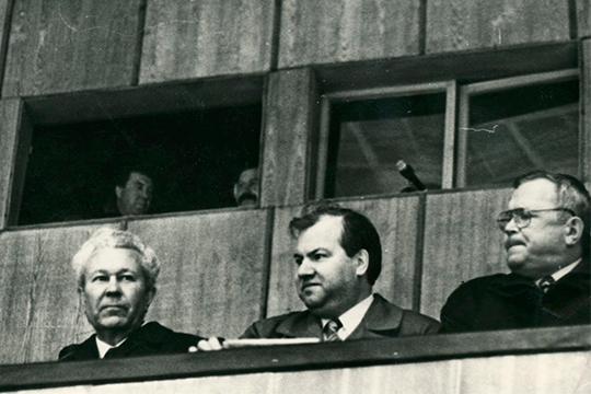 «Лихачев Василий Николаевич (в центре), очень умный человек, он сделал многое для Татарстана»