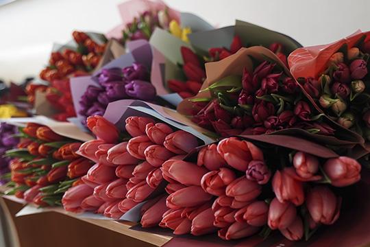 Спасти цветочный бизнес города может только реорганизация смассовым исходом вонлайн-продажи, что собственно делает большинство ритейлеров