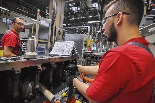 «Влюбом случае надва квартала мыбудем иметь катастрофическое падение производственных показателей, интегрирующих показателей (таких, как ВВП), резкий рост безработицы»