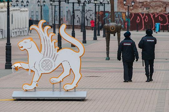 Несмотря на все принятые меры, корреспонденты «БИЗНЕС Online», по своим данным и информации от коллег и неравнодушных, отмечают, что даже в центре Казани патрули встречаются очень редко