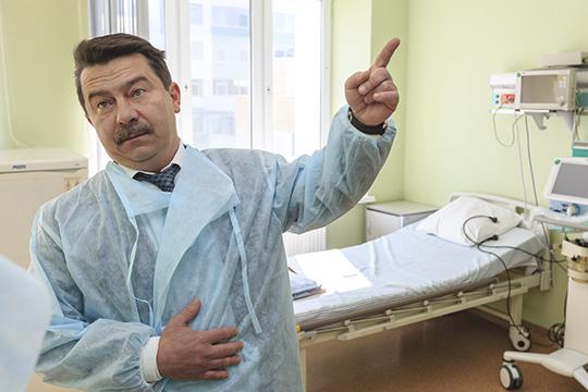 Марат Садыков: «Хочу сказать о безответственности жителей, которые уехали в сложный период в отпуска. Они подвергают риску не только себя, но и родственников и жителей Татарстана»