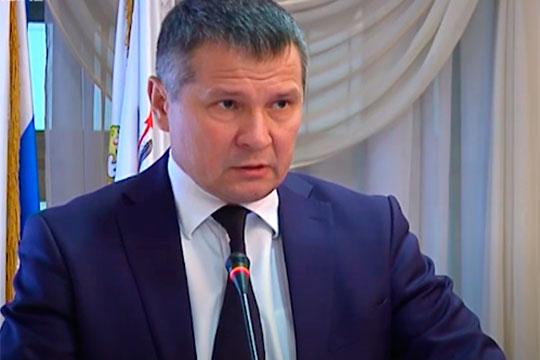 В случае, если смена власти в МЧС Татарстана все же произойдет, в качестве одного из кандидатов на замену, по нашей информации, рассматривается небезызвестный в Татарстане Альберт Салихов