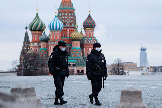 «Некоторые москвичи и петербуржцы искренне огорчались, пока у них не ввели карантинные меры. Как же — в Париже локдаун, а у нас — еще нет!»