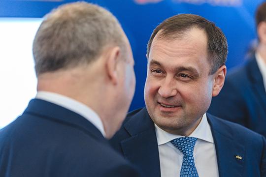 Предправления «Акбарса»Зуфар Гараев (13) также сучетом этих факторов заметно улучшил свои позиции врейтинге