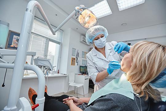 Врядли стоматологи откажут пациенту, который пришел кним сдыркой взубе полугодичной давности