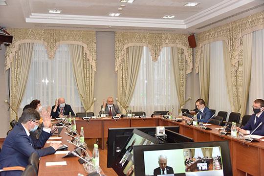 Комитет по законности и правопорядку Госсовета РТ одобрил законопроект об административных штрафах для тех татарстанцев, кто не соблюдает требования по предотвращению коронавирусной инфекции