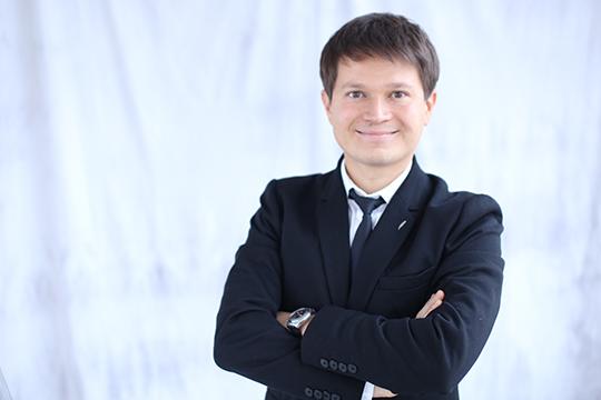 Команда энтузиастов воглаве сРобертом Минегуловымоткрыла школу в2009 году, изаэто время Need4Speak пережил несколько серьёзных кризисов
