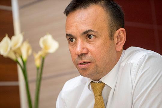 Руслан Абдулнасыров: «По договору арендодатель абсолютно прав, если особенно нет форс-мажоров, арендодатель делает, как хочет. Поэтому сейчас один может идти навстречу, другой нет»