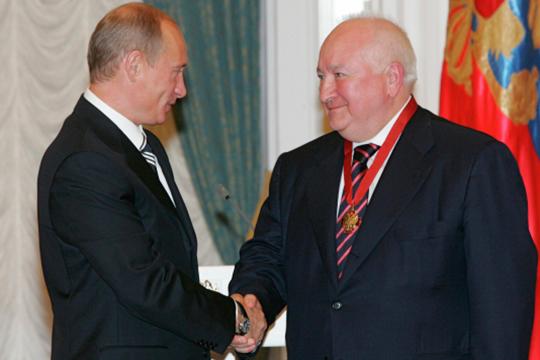 Владимир Путин (слева) в 2007 году наградил Валерия Грайфера Орденом «За заслуги перед Отечеством» III степени