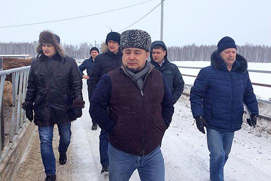 «В прошлом году по сибирским татарам мы приняли решение — вернули известного деятеля сибирских татар Рината Насырова на должность представителя ВКТ»