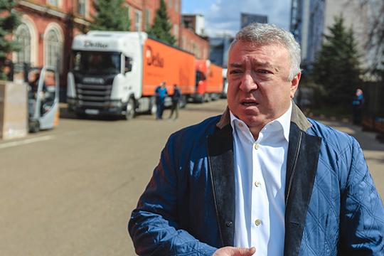 Ирек Богуславский отправил 300 тонн бытовой химии и продуктов питания 160 медучреждениям Татарстана и 8 тыс. иногородним студентам КФУ