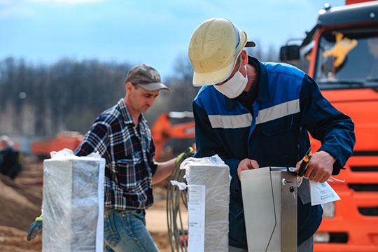 «Строительная сфера прибавила 11%. Каждая восьмая вакансия предназначена для кандидатов на позиции инженеров, по 10% — для проектировщиков, архитекторов и рабочих строительных специальностей»