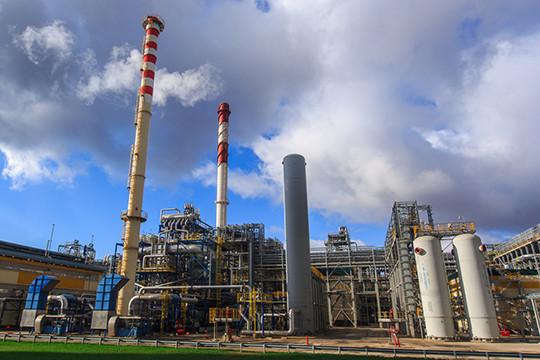 Строительство двух НПЗ «ТАИФ-НК» и особенно «ТАНЕКО», позволившие перерабатывать две трети добываемой в РТ нефти, позволило республики почти утроить ВРП