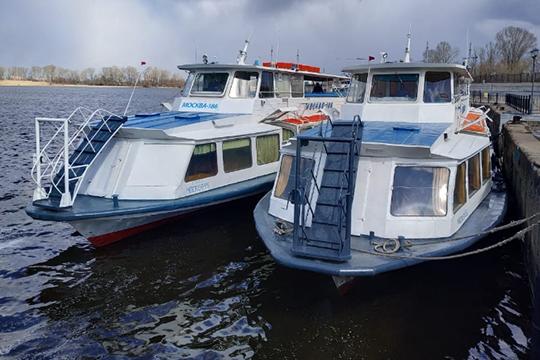 Пригородных пассажиров будут обслуживать 8 теплоходов типа «Ом» и«Москва», еще один оставят врезерве. Судам по40-60 лет