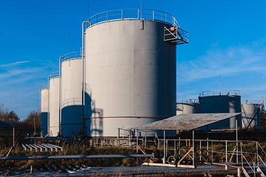 «Нефть у нас хранить негде, соответственно, придется останавливать месторождения»
