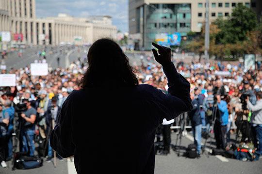 «Революции происходят тогда, когда в обществе наметилось позитивное движение наверх. Так что опасно не тогда, когда страна на дне. Опасно, когда начнется небольшое улучшение»