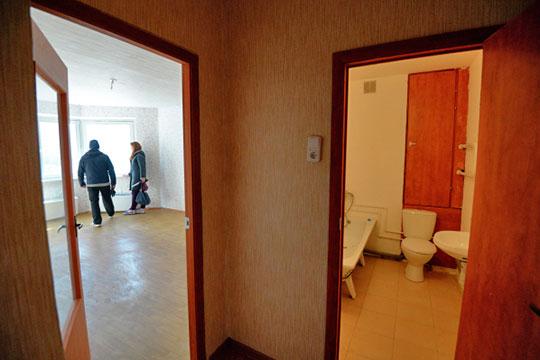В ценовом диапазоне «до 10 тысяч рублей» представлено менее трехсот квартир: 242 однокомнатные квартиры и 30 студий. «Однушек» в ценовом диапазоне до 15 тысяч — 1461, «двушек» — 260