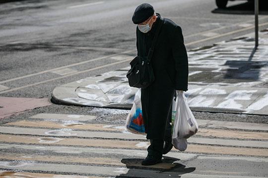 «Унас сейчас социально незащищены огромные слои населения, исейчас значительно возрастут, как часть ихбюджетов, расходы наеду»