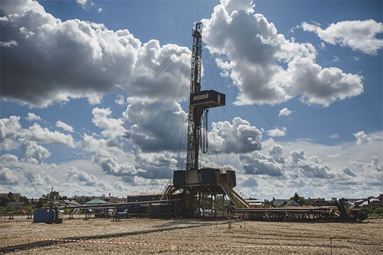 «В рамках нынешней сделки добыча в России сократится на 9-10% в этом году — где-то в среднем на 1 млн баррелей по году»