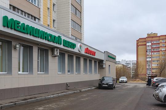 Директор медцентра «Айболит» Азат Рызванов считает, что вакцинацию детей нужно открыть в первую очередь, иначе время будет утеряно