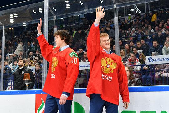 «Ак Барс» должен стать сильнее и за счёт прогресса молодых игроков: 20-летние Даниил Журавлёв (справа) и Дмитрий Воронков (слева) обязаны становиться ключевыми игроками, а не просто лимитчиками