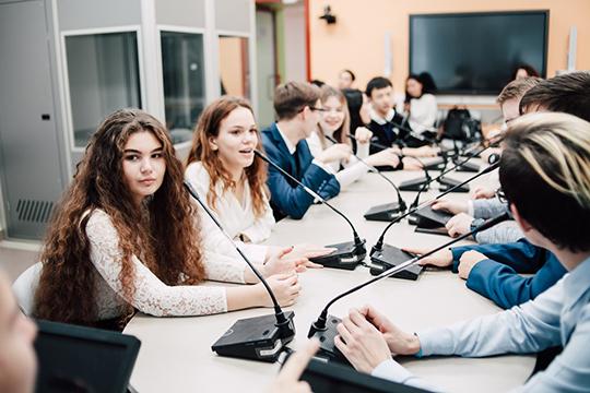 «Сегодня школьник влюбой точке России может обратиться ксвоему учителю спросьбой помочь ему найти место, где можно получить туили иную профессию»
