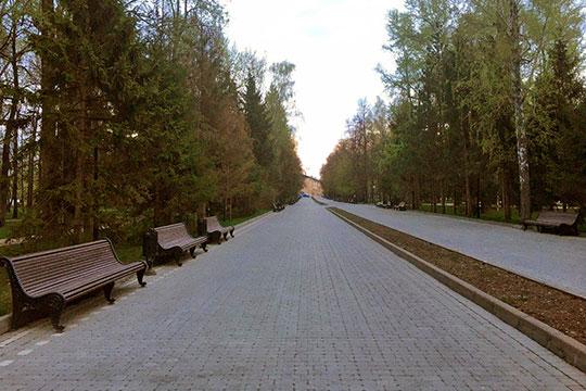 «Можете пройти и посмотреть дальше, но в парке уже никого нет, всех забрали», — не без гордости добавили полицейские