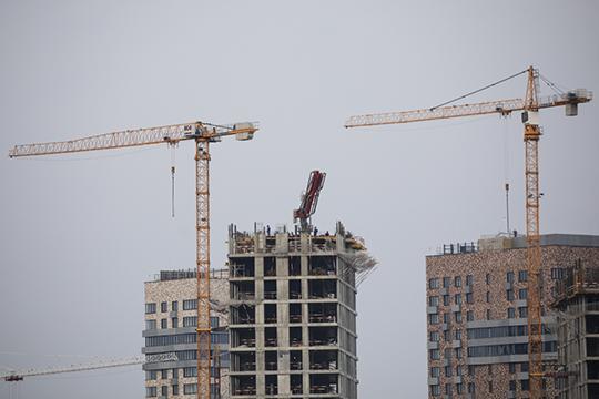 «С недвижимостью ситуация понятнее, нежели с валютами. Поэтому люди и принимают решение инвестировать в жилье. Даже если цены вдруг немного упадут — в конечном счете они в течение года восстановятся»