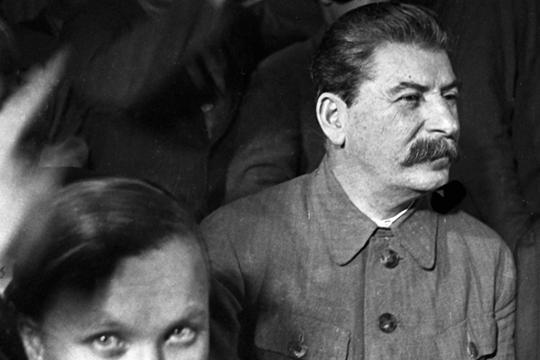 «В 1946 году, когда перед генералами был Сталин — человек неробкого десятка, который решал судьбы многих людей, они все как один встали на защиту Жукова»