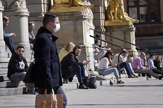 Швеция — образец бездарного, существенно хуже среднего проведения противоэпидемических мероприятий. По факту там уже умерло порядка 3000 человек. Эпидемия в разгаре