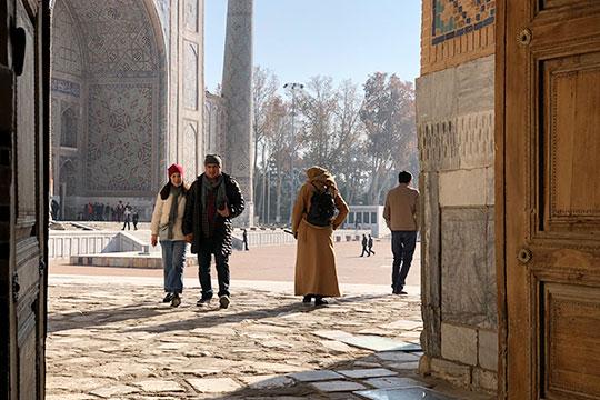 Жизнь в Узбекистане продолжается, никто не собирается сдаваться и отказываться от пути реформ