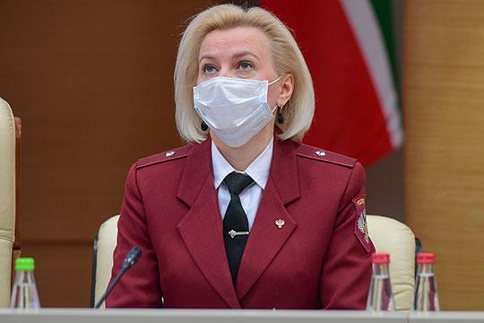 Марина Патяшина напомнила, что ситуация с распространением коронавирусной инфекции в республике остается непростой: на прошлой неделе каждый день выявлялось от 80 до 100 новых случаев