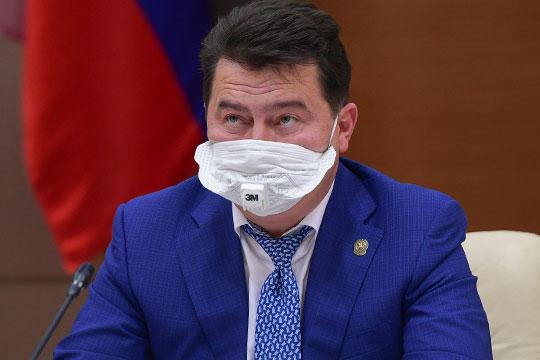 Министр здравоохранения РТ Марат Садыков сообщил, что инфицировано 48 медработников, их состояние удовлетворительное и средней степени тяжести