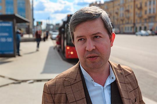 Сергей Темляковотметил, чтосегодняшние рейды предупредительные, аполицию вызывают только для тех, кто «лезет вбочку»: тоесть нипод каким видомнесогласен выходить изсалона