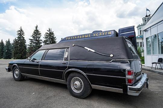 Водительская кабина спецтранспорта должна быть отделена откузова. Кузов должен быть непроницаемым, отделка отсеков кузова должна быть выполнена изантикоррозийного металла