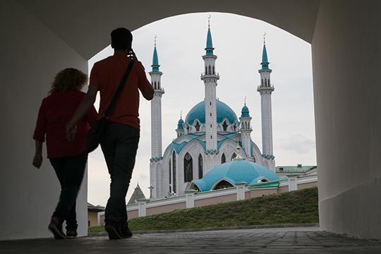 Ведомство совместно с туристическими компаниями сейчас разрабатывает новые маршруты, актуальные программы, которые будут интересны туристам, которые все же решатся приехать в Татарстан