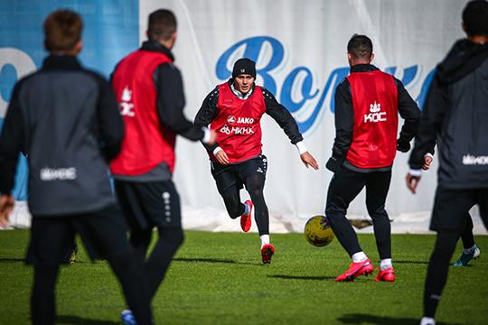 В пятницу в «Рубине» сообщили, что намерены возобновить тренировки с субботы 16-го мая. Время показало, что логистически организовать это в такие короткие сроки невозможно
