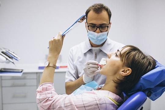 Втоп-5 наиболее востребованных медицинских процедур встолице республики входит установка брекетов, ринопластика, оформление медицинской книжки, прерывание беременности ииплантация зубов