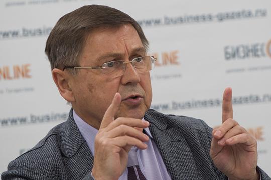 Андрей Киясов:«На поверхности коронавируса есть шипы — как у репейника. Когда он попадает в организм, ему, как и любому вирусу, важно найти клетку, где он может размножиться, к которой у него есть ключик»