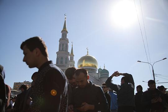 На этой неделе все ведущие муфтияты России объявили, что Ураза байрам нынешнего года состоится без молитвенных собраний