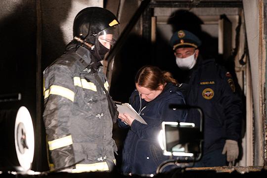 «Услышали крики, дверь открыли – оттуда дым!»: на пожаре в ЦРБ Зеленодольска погибли люди