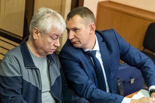 Опустился в рейтинге Алексей Клюкин (14), которого пока олицетворяют лишь с одним громким процессом. Зато каким! Он защищает Роберта Мусина
