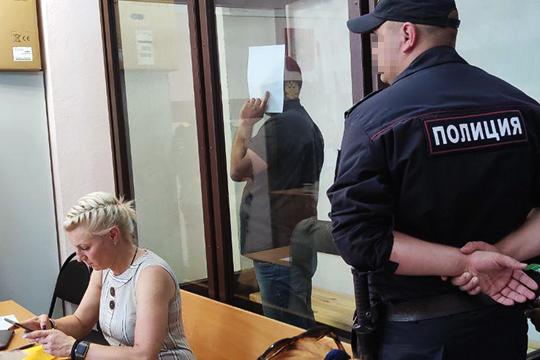 Почти у всех на вершине или в паре шагов от нее была адвокат Наталья Фарукшина (1). «Она не ленится, цепляется за все и очень грамотная, беспокойная, идет до конца, до Верховного суда РФ. Свои деньги она отрабатывает»