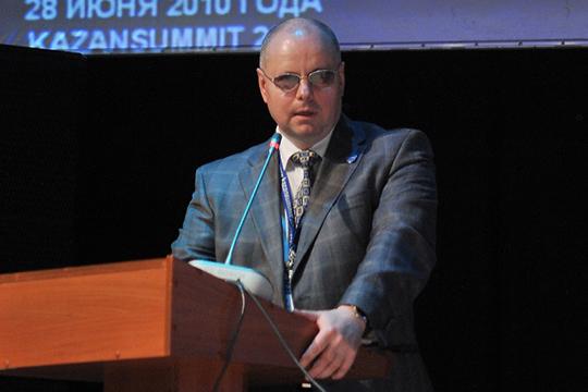 Александр Агеев: «Мы стоим на грани перехода в технологически новый, во многом — дивный мир»