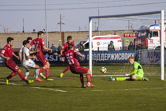 футбольный клуб КАМАЗ иivi.ruпланируют проводить совместные акции для болельщиков, где ivi будет предоставлять возможности для подписки ввиде призов для аудитории клуба