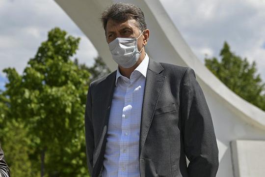Игорь Куляжев добавил, что все работы поблагоустройству впарке будут проводиться поэтапно: чтобы немешать строителям возводить здания
