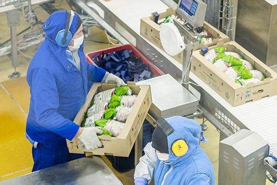 На долю ООО «Челны-Бройлер» (1-е место среди производителей мяса птицы в республике) приходится почти 60% от всей «птички» в республике — в минувшем году компания произвела 123,1 тыс. тонн продукции