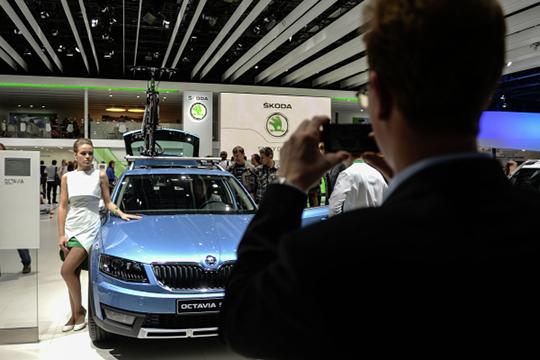 На 52% (!) до нового рекорда 763 авто разогналась в Татарстане Skoda, побив предыдущий максимум первого квартала 2014 года. По РФ продажи «чехов» выросли только на 14% до 21 тыс. авто
