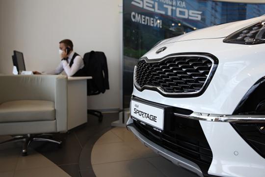 Весомый вклад внес и лидер семейства кроссоверов, среднеразмерный Sportage (от 1,425 млн — на 35 тыс. дороже января), спрос на него увеличился на 60 пунктов до 319 авто