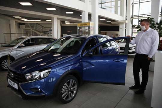 Главным пострадавшим оказался самый покупаемый в РТ бренд — отечественная Lada потеряла 1,7% или 73 машины. Ее показатель уменьшился до 4279 регистраций